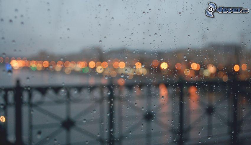 zarosené sklo, kvapky vody, most