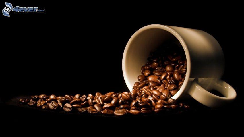 hrnček, kávové zrná