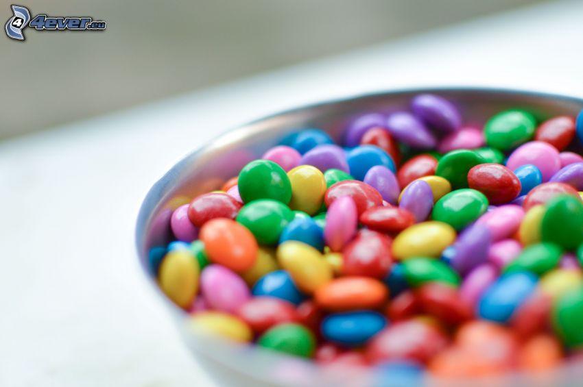 lentilky, farebné cukríky