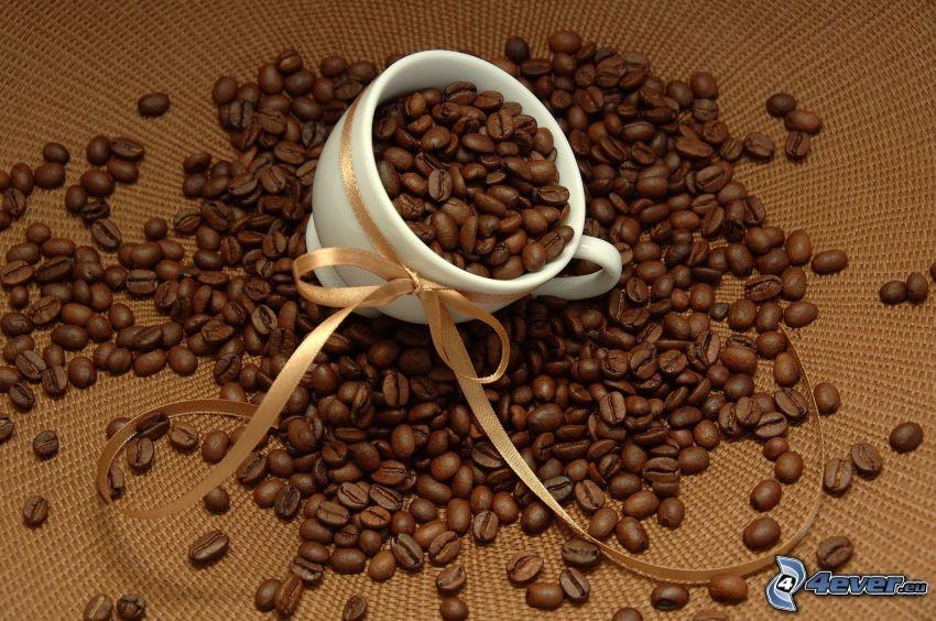 šálka, kávové zrná