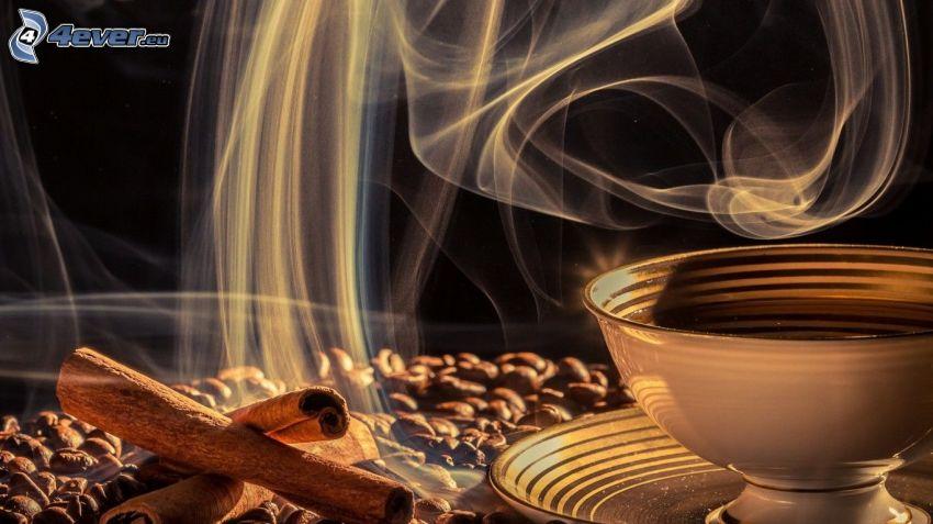 šálka kávy, škorica, kávové zrná, para