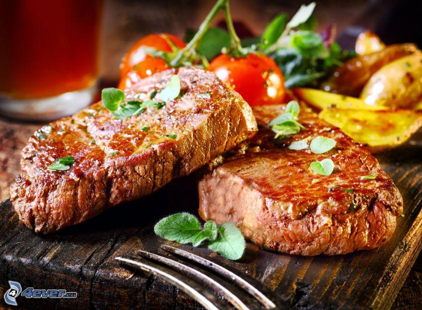 steak, paradajky, zemiaky