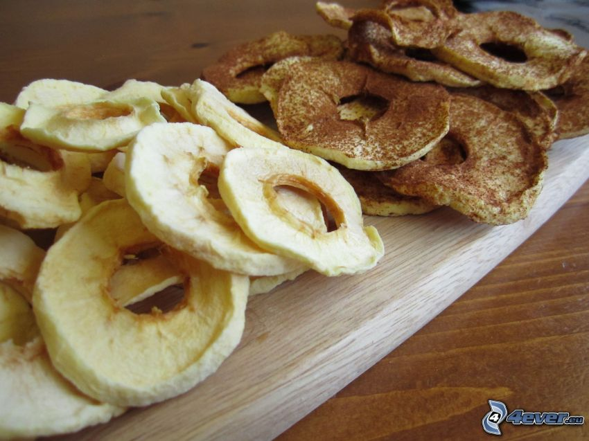 sušené jablká, škorica