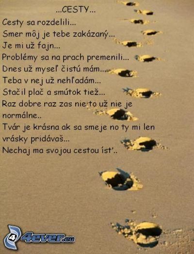 cesta, stopy v piesku, plač