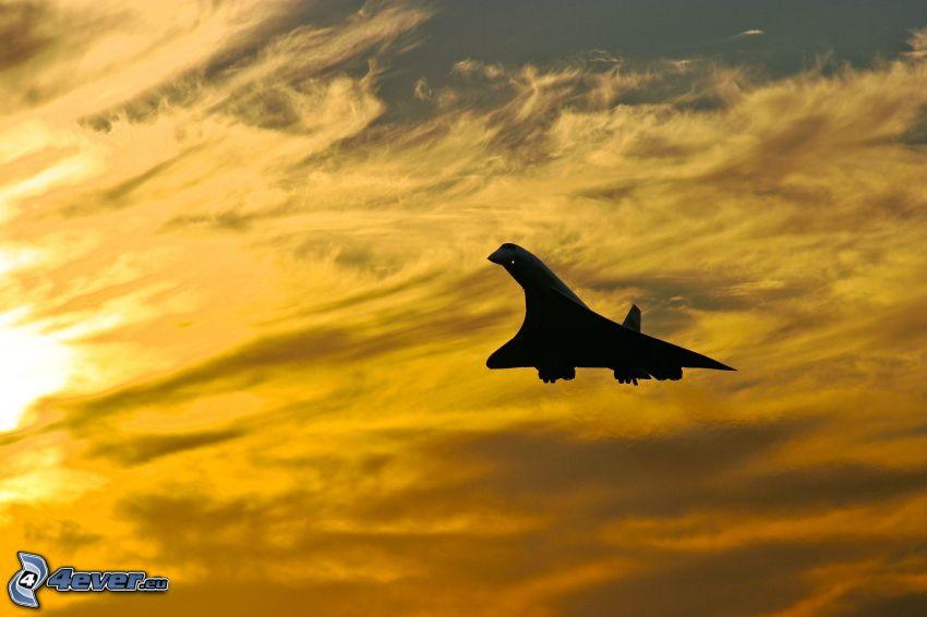 Concorde, oranžová obloha
