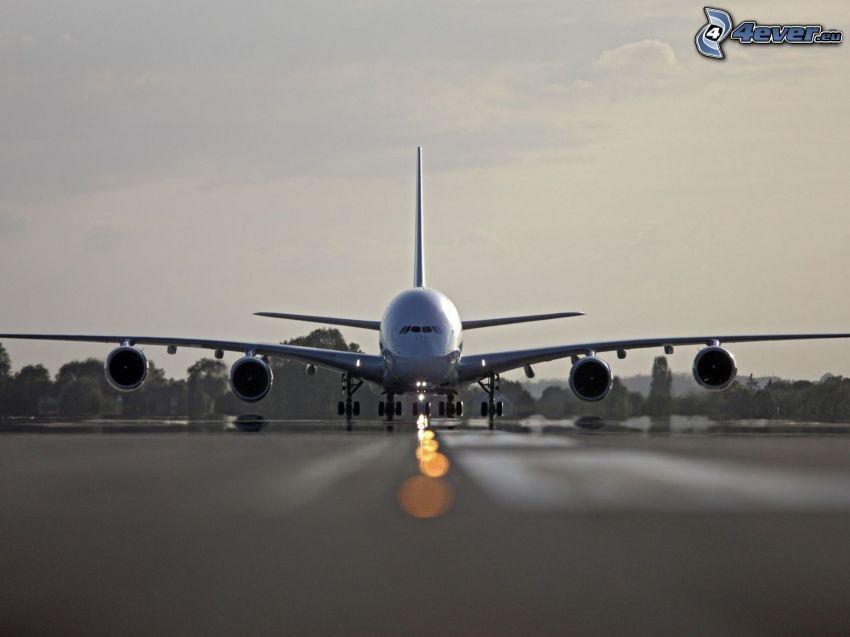 Airbus A380, letisko