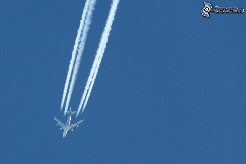 Boeing 747, kondenzačné stopy