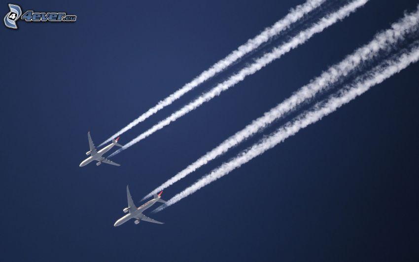 lietadlá, kondenzačné stopy
