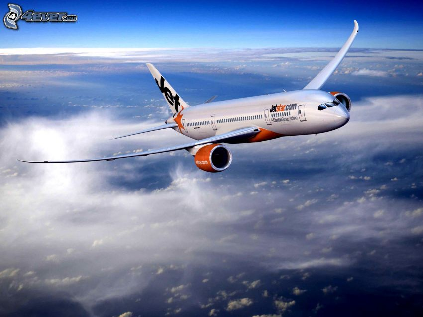 lietadlo, nad oblakmi