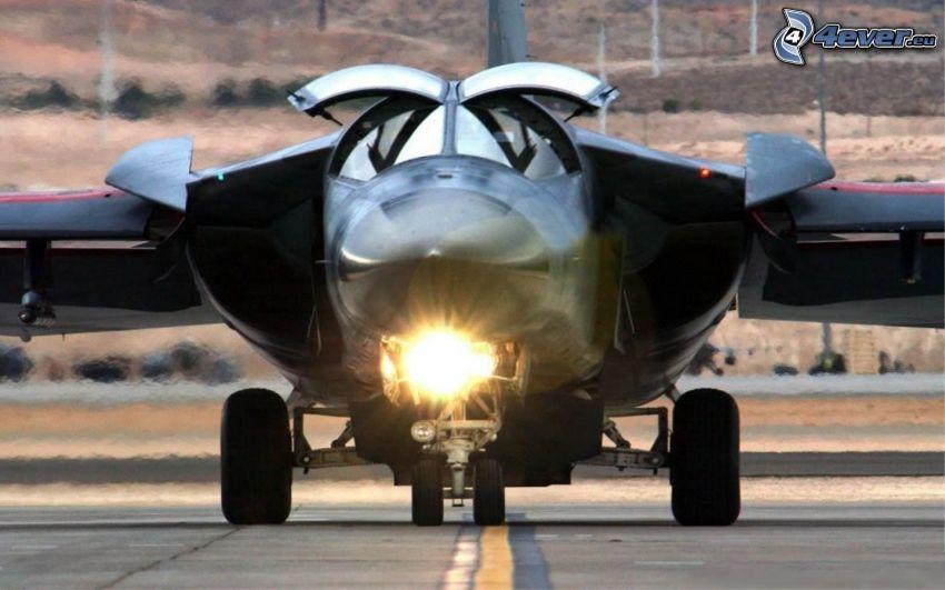 F-111 Aardvark, letisko