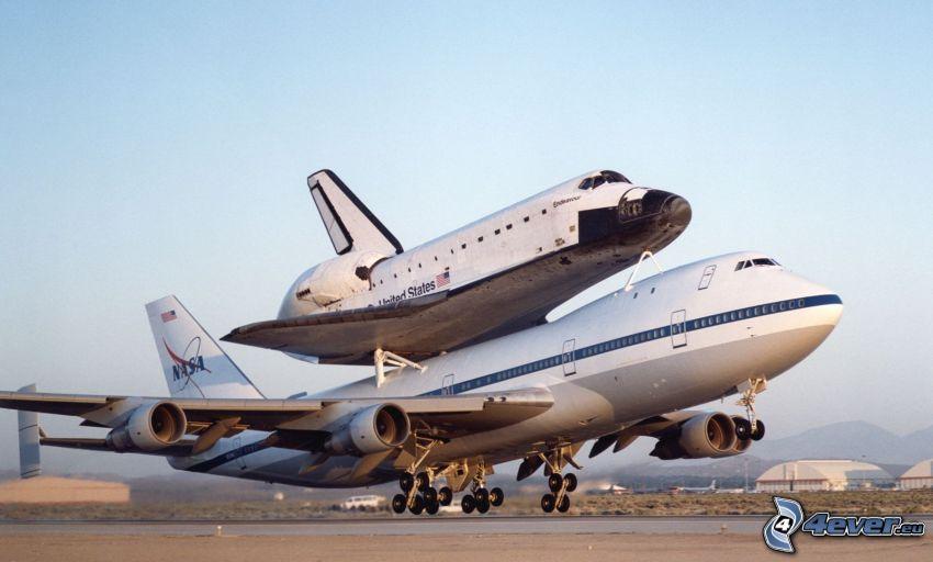 transport raketoplánu, lietadlo, vesmírna loď, obloha