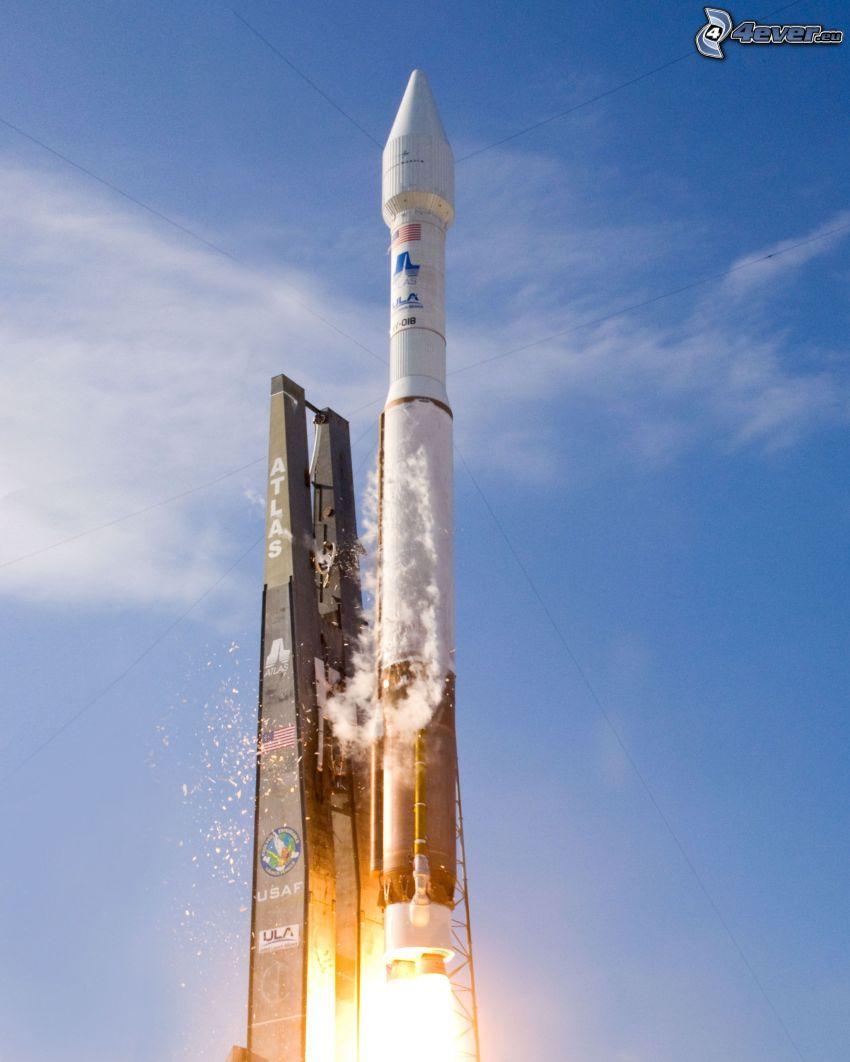 Atlas V, štart rakety