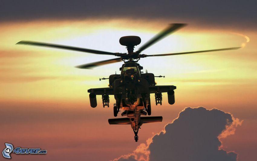 AH-64 Apache, silueta vrtuľníku, oblaky