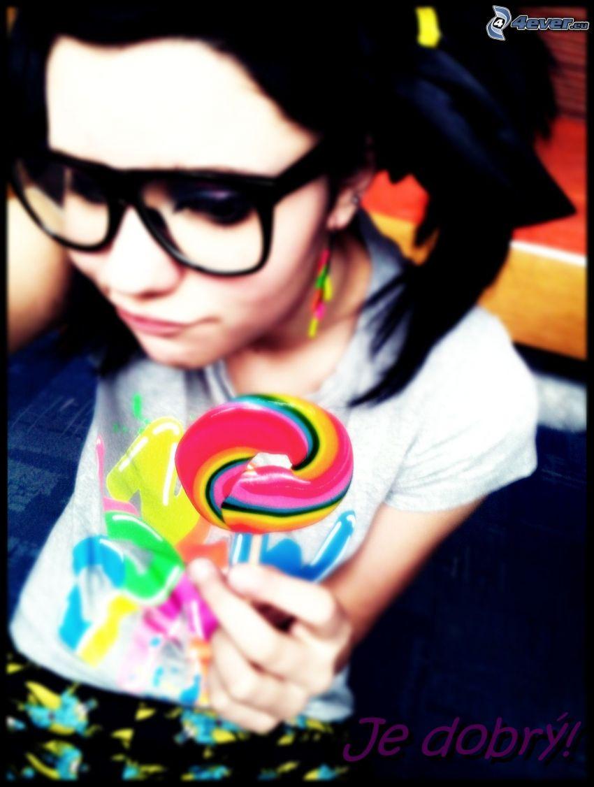 farebné lízatko, dievča s okuliarmi