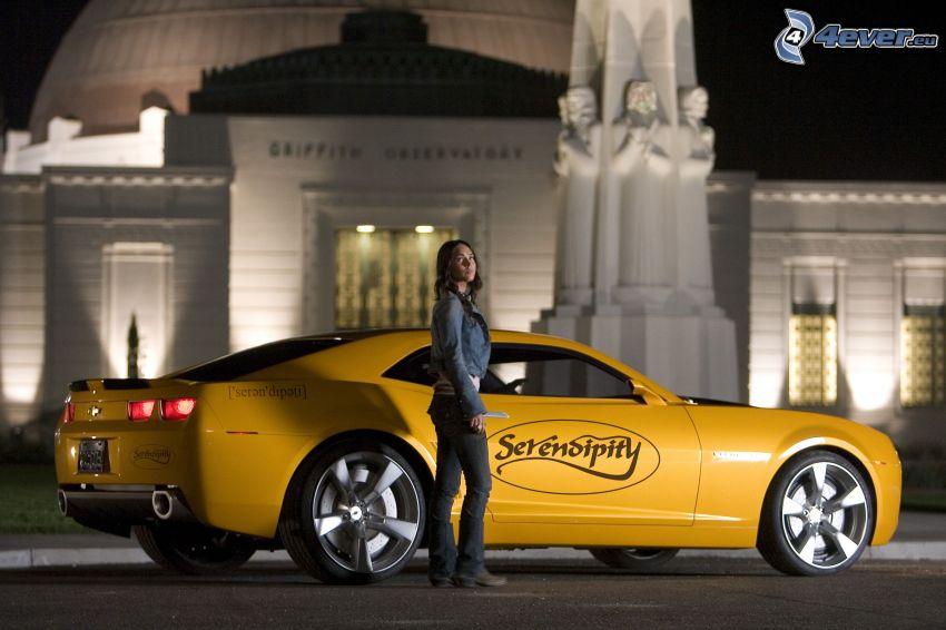 Chevrolet Camaro, brunetka