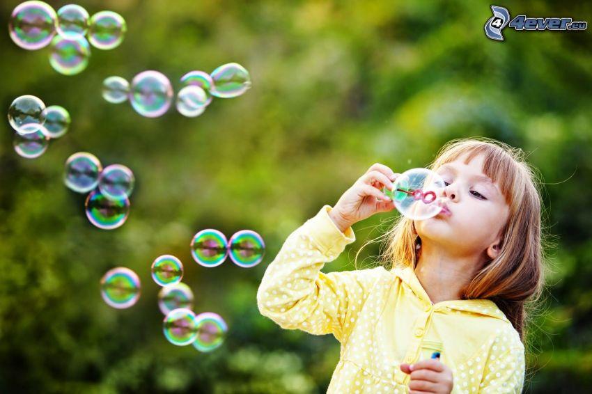 dievčatko, bubliny