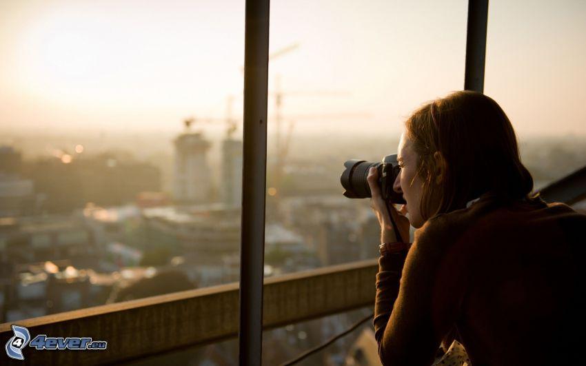 fotografka, výhľad na mesto