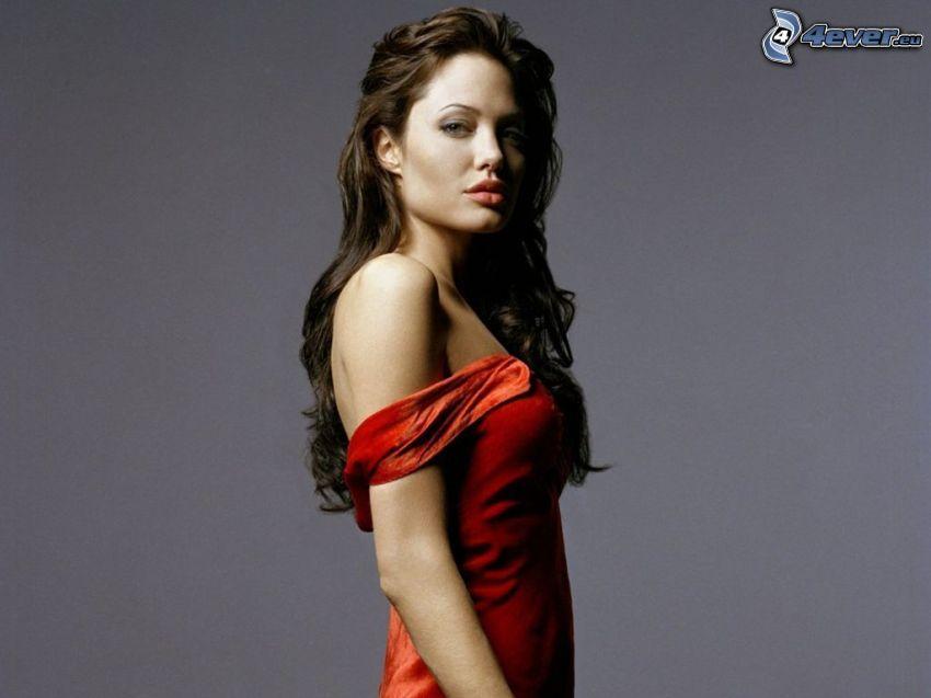 Angelina Jolie, červené šaty