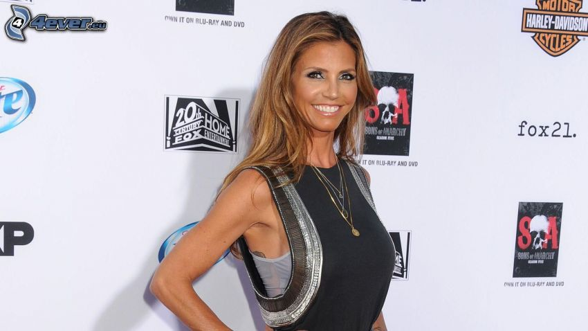 Charisma Carpenter, úsmev