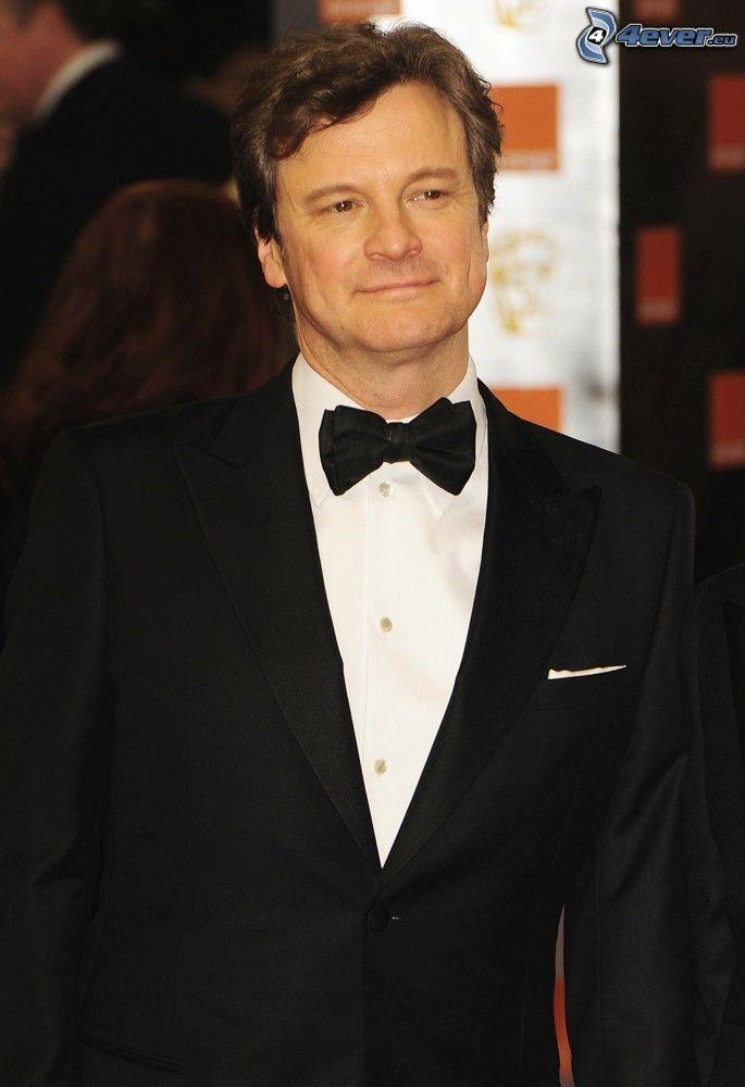Colin Firth, muž v obleku, úsmev, motýlik