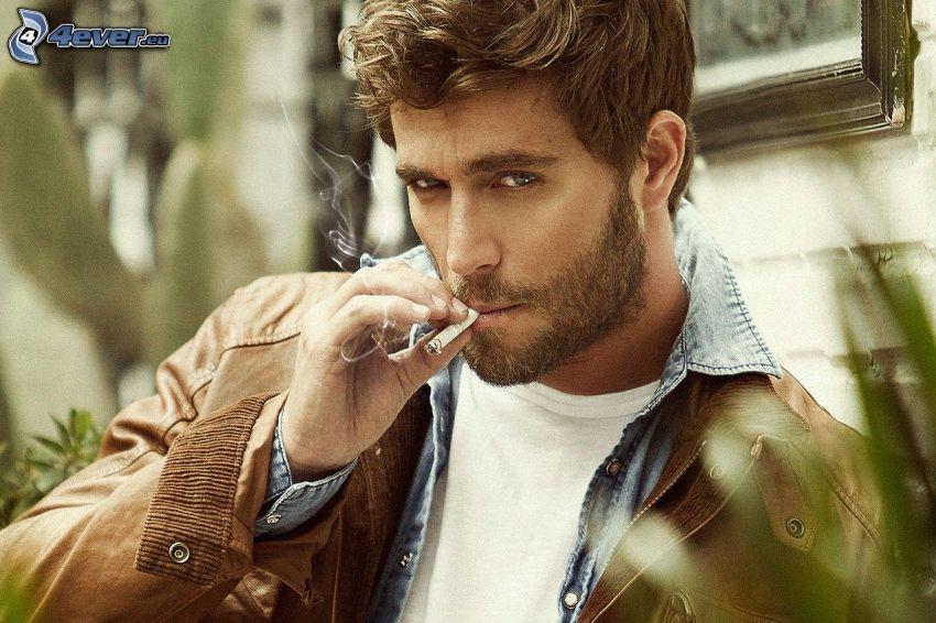 Michel Brown, fajčenie
