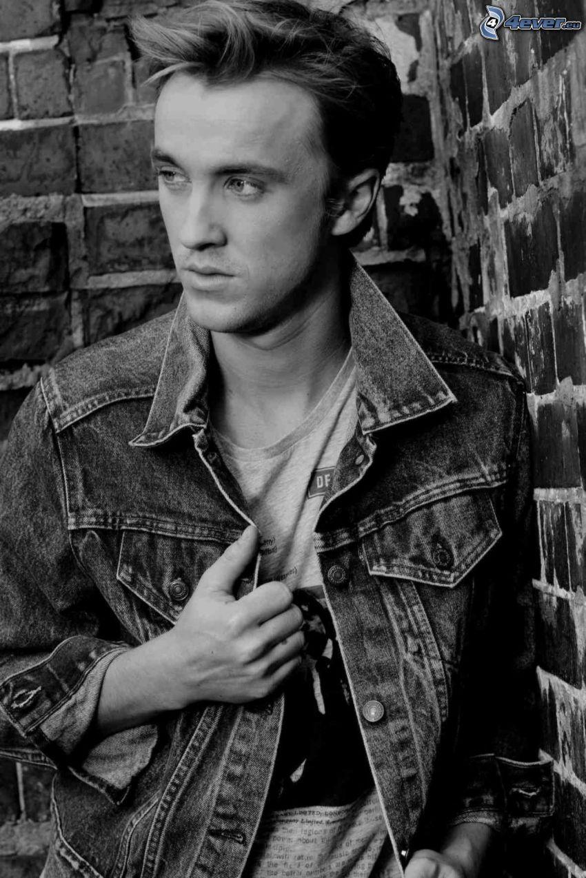 Tom Felton, čiernobiela fotka