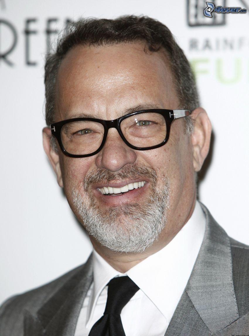 Tom Hanks, muž s okuliarmi, úsmev