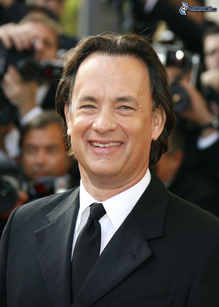 Tom Hanks, úsmev, muž v obleku