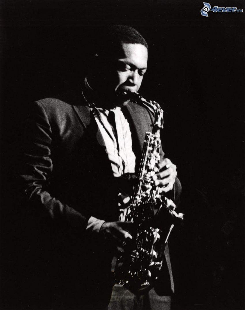 John Coltrane, saxofonista, čiernobiela fotka