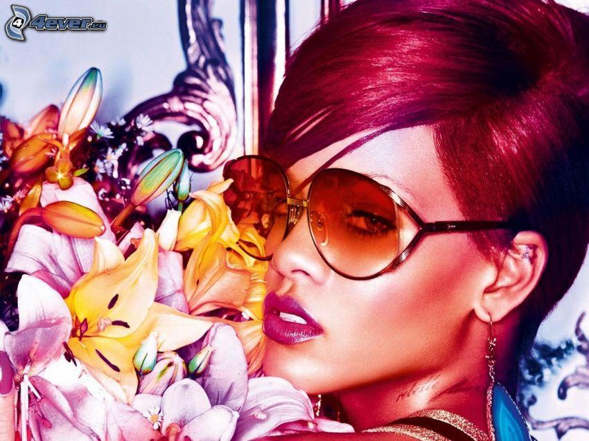 Rihanna, ľalie, červené vlasy, slnečné okuliare