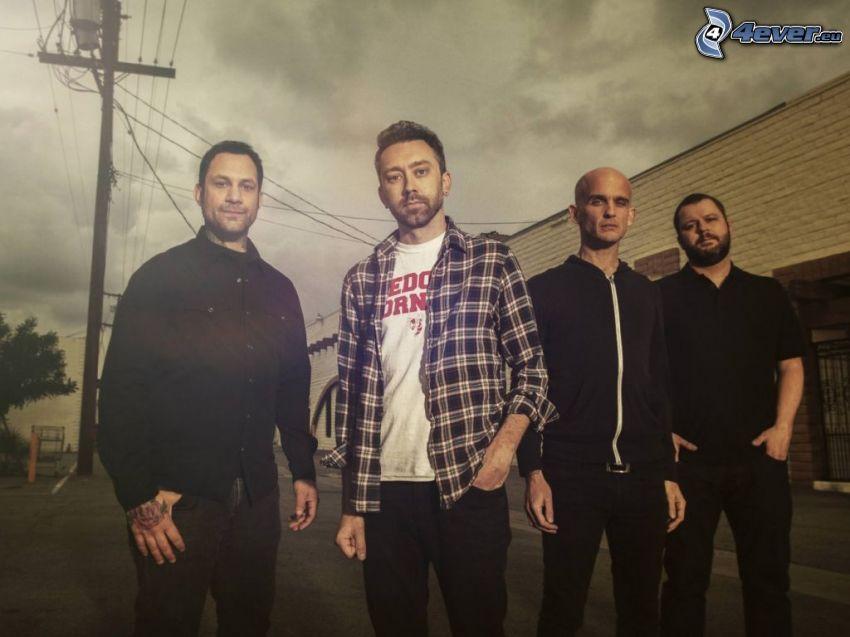 Rise Against, elektrické vedenie