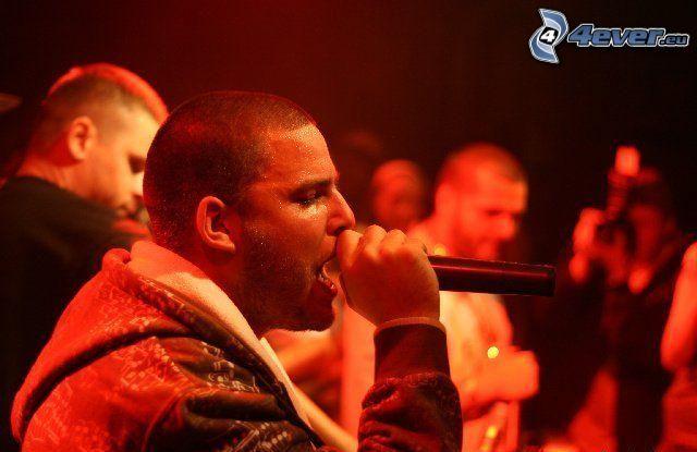Rytmus, hudba, spev, mikrofón