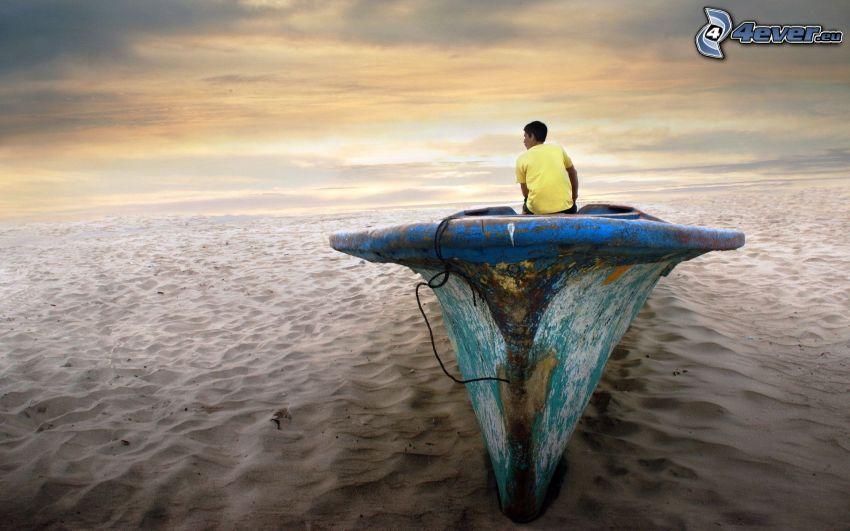 muž, opustený čln, púšť