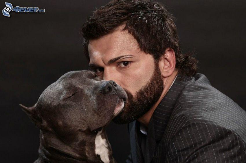 muž so psom