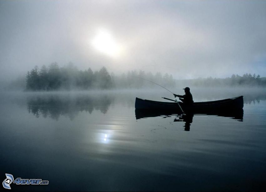 rybár pri západe slnka, čln, jazero, voda, oblaky, slabé slnko