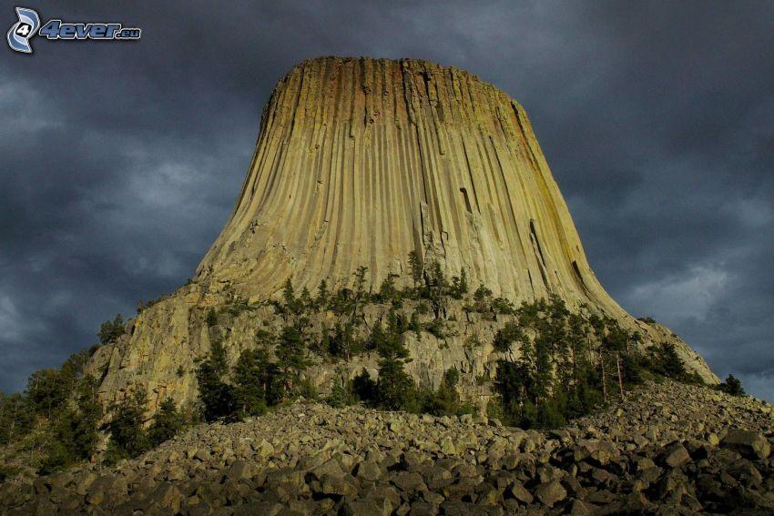 Devils Tower, tmavá obloha