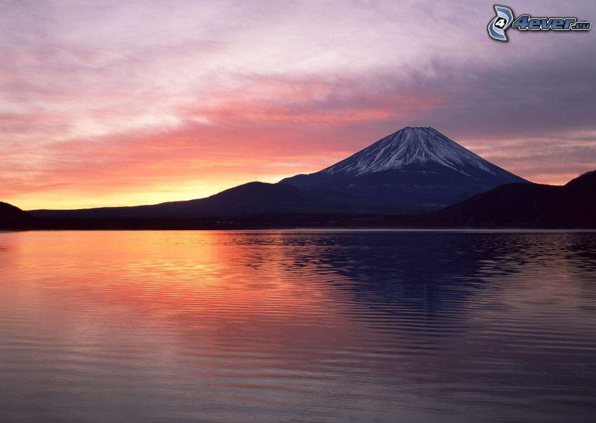 hora Fuji, Japonsko, jazero, po západe slnka