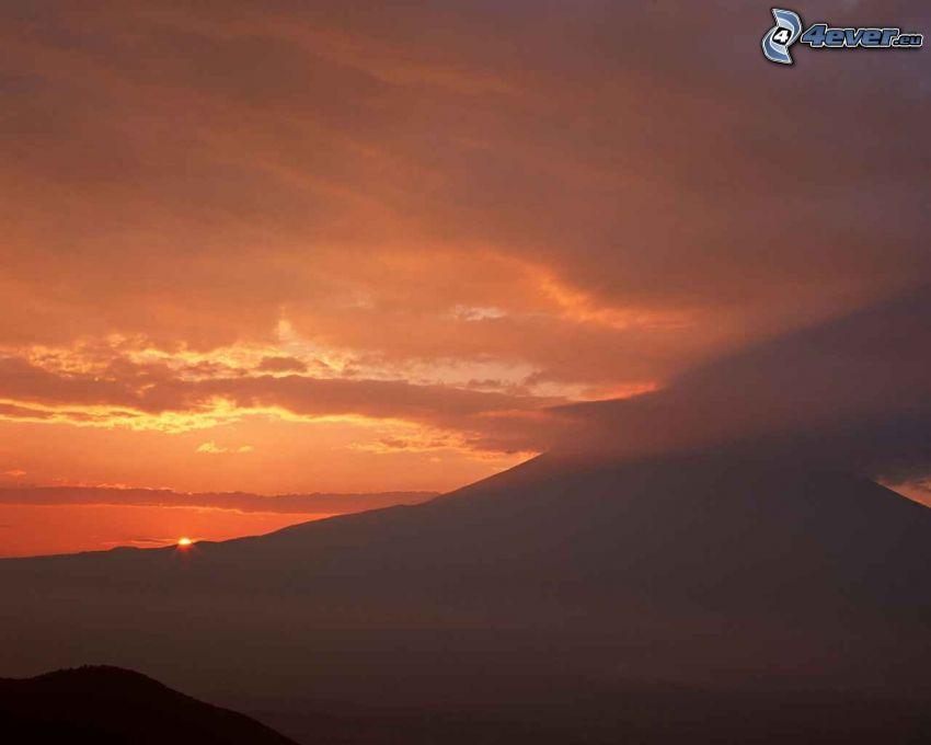 hora Fuji, západ slnka nad horami