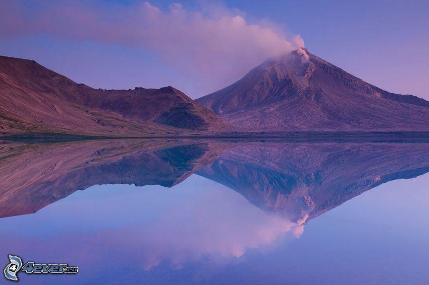 Kronocká sopka, jazero, odraz