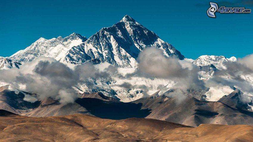 Mount Everest, zasnežená hora