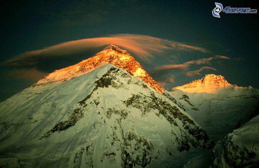 Mount Everest, zasnežené hory, oblak