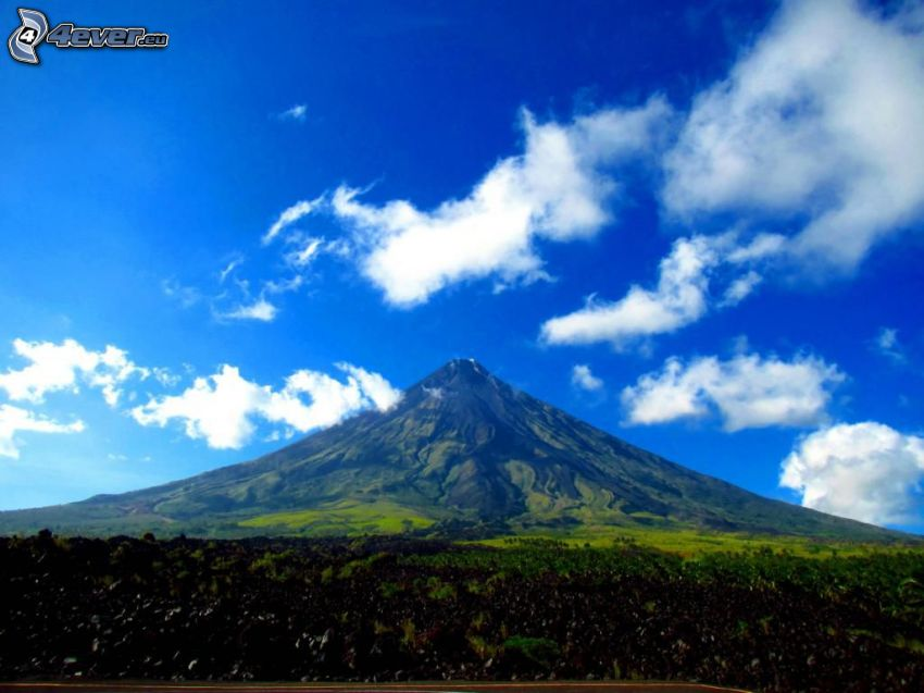Mount Mayon, Filipíny, oblaky
