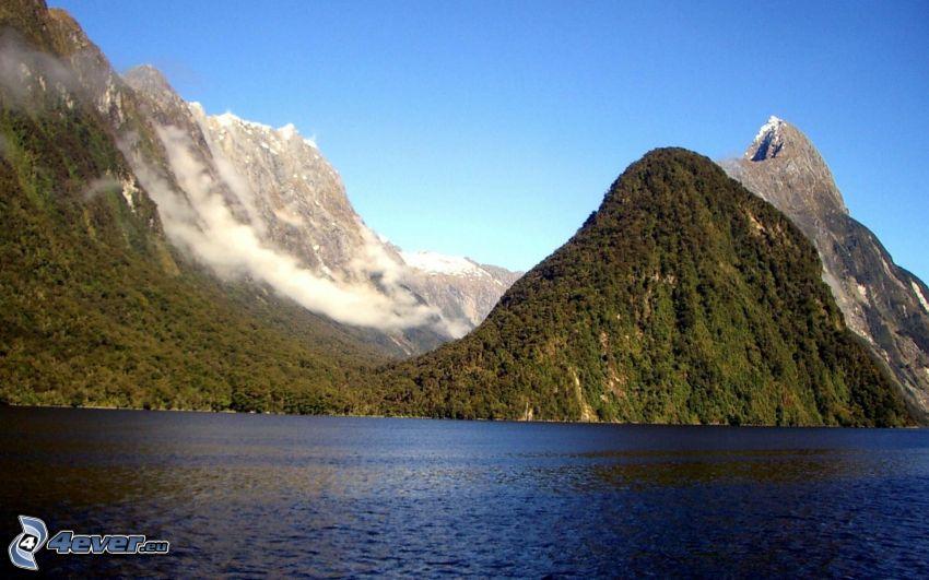 skalnaté hory, more