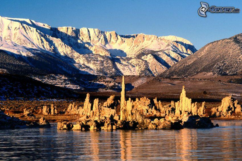 Mono Lake, Kalifornia, USA, hory