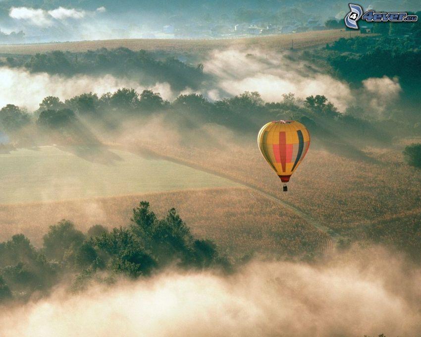 teplovzdušný balón, lúka, prízemná hmla