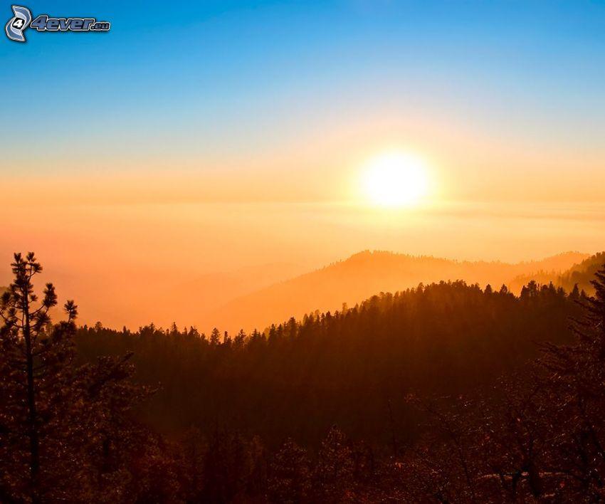 západ slnka nad horami, pohorie