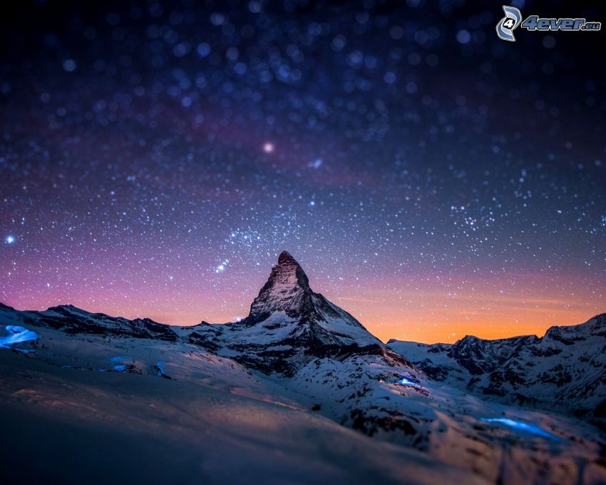 Matterhorn, zasnežená hora, hviezdna obloha