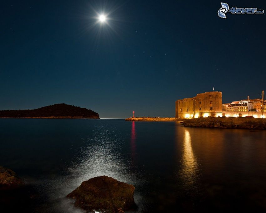 Chorvátsko, noc, mesiac