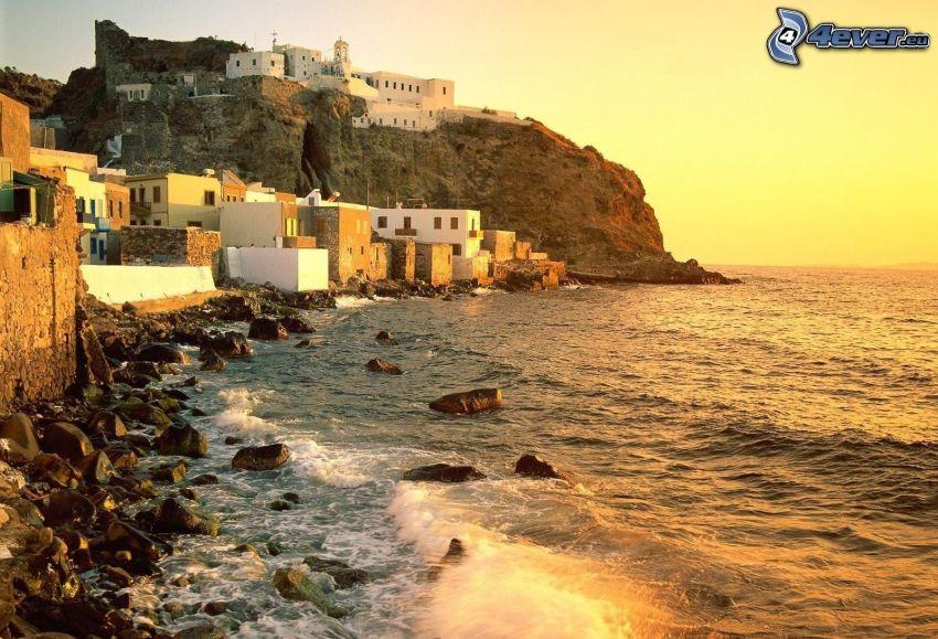 Grécko, skalnaté pobrežie, more