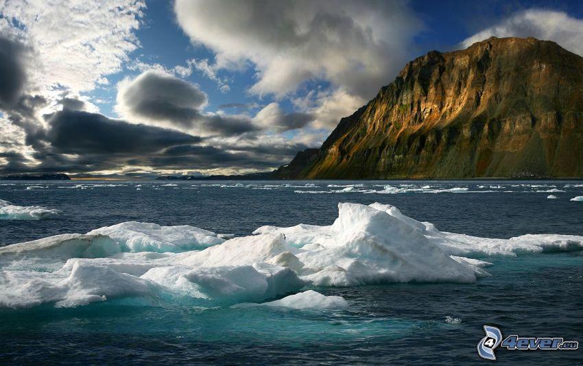 ľadové kryhy, ľadový oceán, skalnatá hora